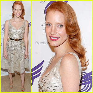 Jessica Chastain: American Theatre Wing Gala!
