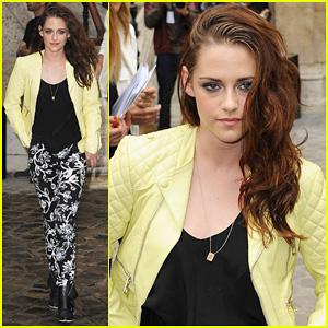 Kristen Stewart: Balenciaga Paris Fashion Week Show!
