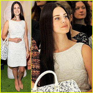 Lana Del Rey: Mulberry Show During London Fashion Week