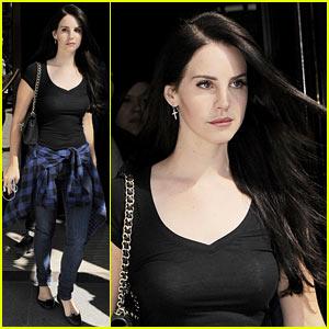 Lana Del Rey: National Theatre Performer!