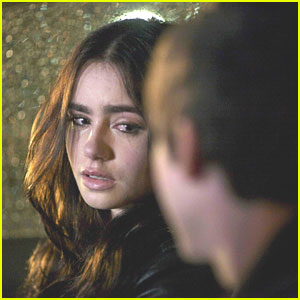 Lily Collins: 'Writers' Crying Pic!