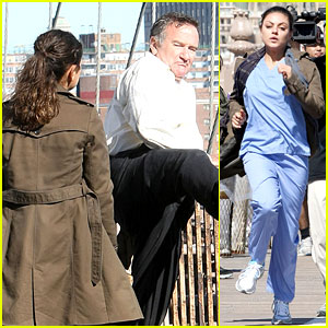 Mila Kunis & Robin Williams: Brooklyn Bridge Jump Scene!