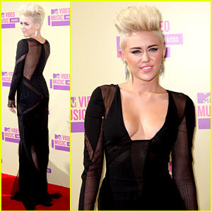 Miley Cyrus – MTV VMAs 2012 Red Carpet | 2012 MTV VMAs, Miley ...