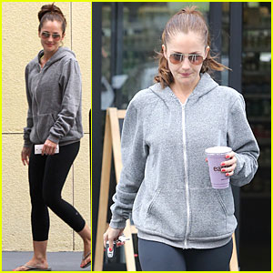 Minka Kelly: I Love Michelle Obama!