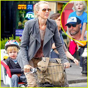 Naomi Watts & Liev Schreiber: Family Day with Sasha & Samuel!