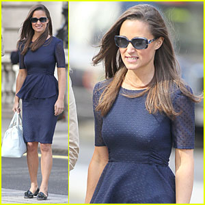 Pippa Middleton's Mom is Sexy to Karl Lagerfeld!