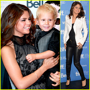 Selena Gomez: 'Hotel Transylvania' Premiere with Justin Bieber's Siblings!