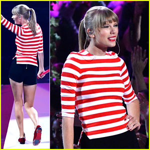 Taylor Swift: MTV VMAs Performance 2012 - Watch Now