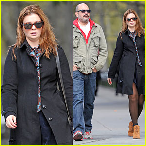 Amber Tamblyn & David Cross: Post-Wedding Stroll!
