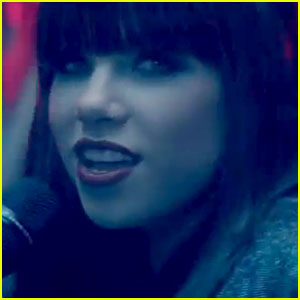 Carly Rae Jepsen: 'This Kiss' Video Premiere - Watch Now!