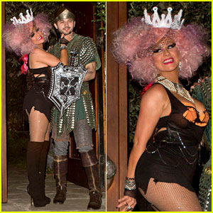 Christina Aguilera: Halloween Party with Matthew Rutler!