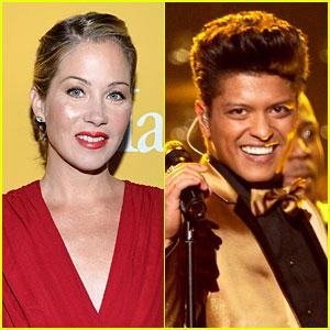 Christina Applegate & Bruno Mars: 'Saturday Night Live' Hosts!