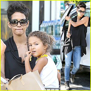 Halle Berry: Sarah Palin is My Relative!