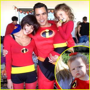 Jessica Alba & Family: 'The Incredibles' for Halloween!
