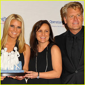 Jessica Simpson's Parents File For Divorce