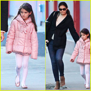 Katie Holmes & Suri Cruise: Chelsea Piers Bowling Duo!