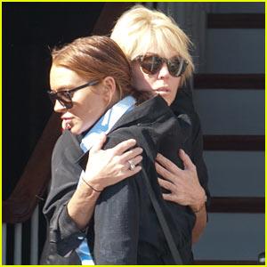 Lindsay Lohan Hugs Mom Dina After 'Huge Fight'
