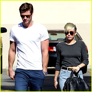 Miley Cyrus & Liam Hemsworth: Starbucks Stop!