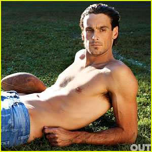 NFL Player Chris Kluwe: Shirtless for 'Out' Magazine!