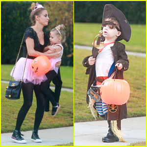 Nicole Richie: Halloween Princesses with Harlow!