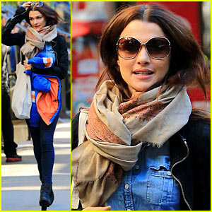 Rachel Weisz: Big Apple Monday Stroll!