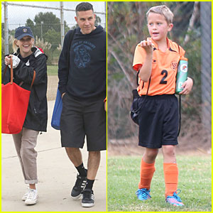 Reese Witherspoon & Jim Toth: Deacon's Soccer Game!