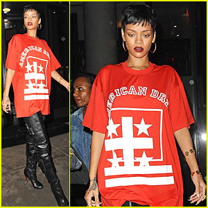 Rihanna: 'Victoria's Secret' Fashion Show Performer!