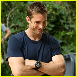 Scott Speedman: 'Last Resort' Exclusive BTS Photos!