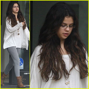 Selena Gomez Sends Prayers To Taliban Shooting Victim Malala Yousufzai