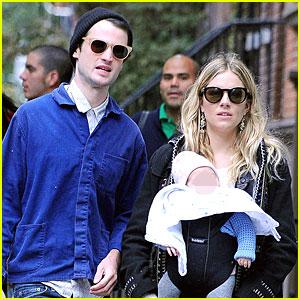 Sienna Miller & Tom Sturridge: New York Walk with Marlowe!