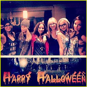 Vanessa Hudgens: Halloween Horror Nights with Ashley Tisdale!