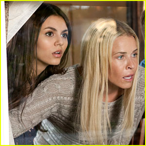 Victoria Justice & Chelsea Handler: Exclusive 'Fun Size' Stills!