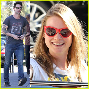 Adam Levine & Behati Prinsloo: Text Red Cross to 90999!