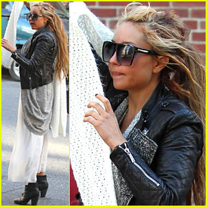 Amanda Bynes: Incognito in the Big Apple!