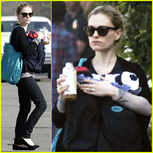 Anna Paquin: Donate to Stephen Moyer's Mustache!