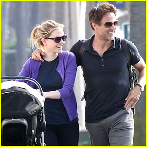 Anna Paquin & Stephen Moyer: Park Stroll with the Twins!