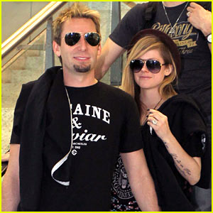 Avril Lavigne Accompanies Fiance Chad Kroeger on Tour