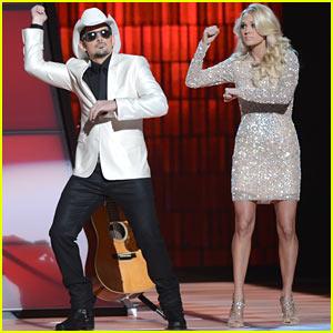 Carrie Underwood & Brad Paisley Do Gangnam Style!
