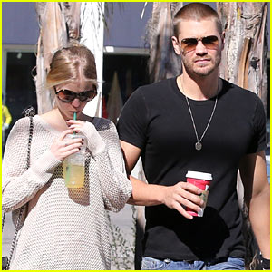 Chad Michael Murray & Kenzie Dalton: Starbucks Sweeties