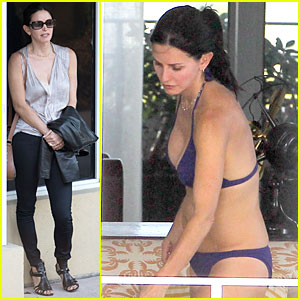 Courteney Cox: Miami Bikini Mama!