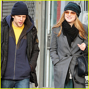 Dakota Fanning: SoHo Stroll with Jesse Eisenberg!
