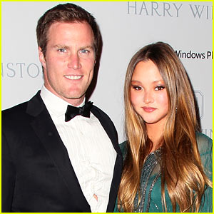 http://cdn01.cdn.justjared.com/wp-content/uploads/headlines/2012/11/devon-aoki-pregnant-with-second-child.jpg