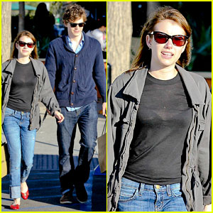 Emma Roberts & Evan Peters: Black Friday Shopping Couple!