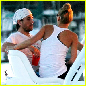 Enrique Iglesias: Miami Boat Ride with Anna Kournikova!