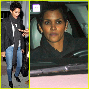 Halle Berry: Osteria Drago Dinner Date with Her Gals!