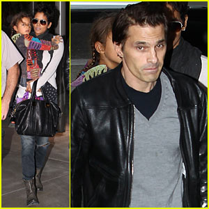 Halle Berry & Olivier Martinez: Westfield Mall Shoppers