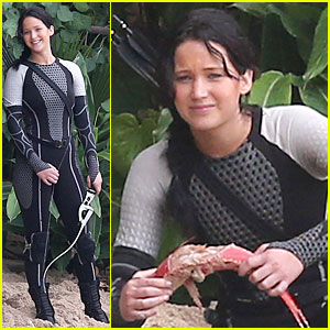 Jennifer Lawrence: Fish Eating on 'Hunger Games' Set!