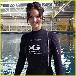 Jennifer Lawrence: Ocean Voyager Swimmer!