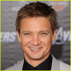 Jeremy Renner Singing - Watch His Past Performances!
