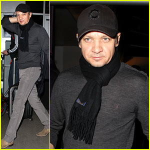 Jeremy Renner: 'SNL' Hosting Gig Brings in Solid Ratings!